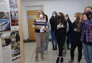 Deváté třídy na exkurzi ve Volyni